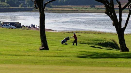 Les chariots de golf : un équipement important sur votre parcours