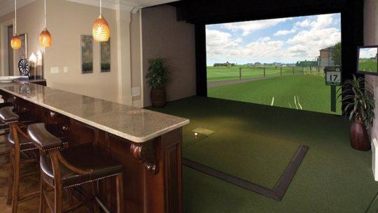 Un simulateur de Golf pour jouer au golf indoor !