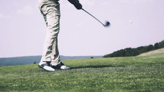 Swing golf : 9 Conseils pour votre posture devant la balle